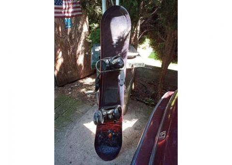 Lamar cruiser 157 used once, morrow invasion bindings and brand new Burton snowboard boots size 13